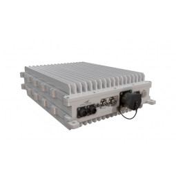 SpaceBridge WU7400 All-Outdoor SATCOM-on-the-Move/Trunking VSAT Router